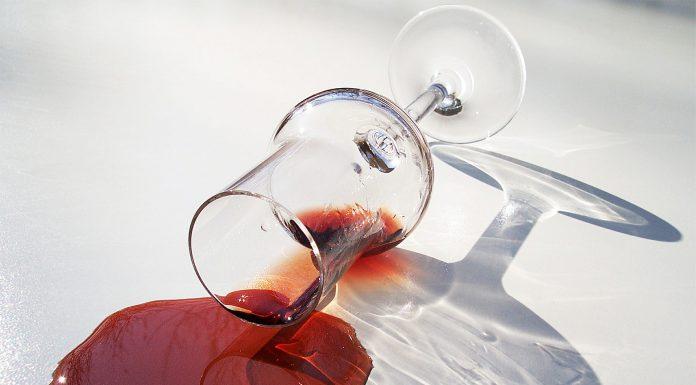 Togliere macchie di vino